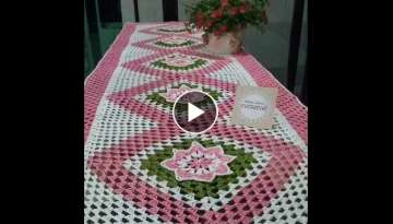 Crochet pattern-tablecloth with granny square